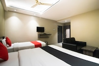 Capital O 60150 Oishi Plaza