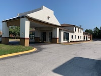 OYO Hotel Florence SC I-95 North