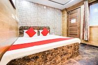 OYO 60223 Hotel Sowrya Palace