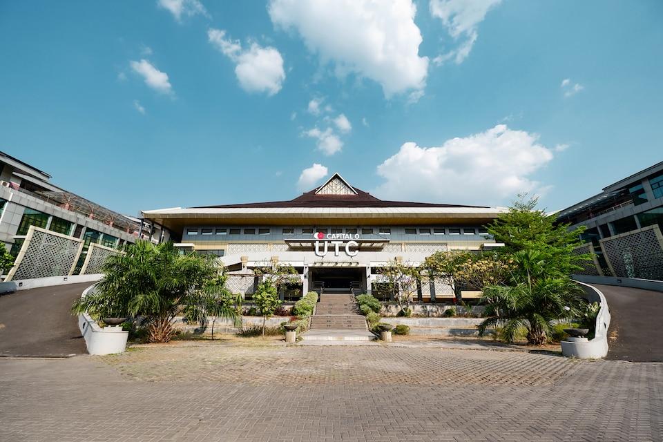 Capital O 1571 Utc Hotel Semarang, Semarang Timur, Semarang