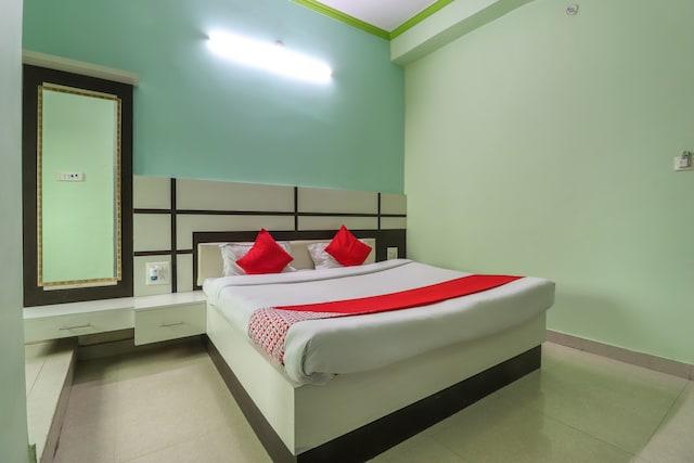 OYO 60280 Hotel Raj Restaurant & Resort