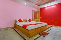 OYO 60293 Shivi Residency