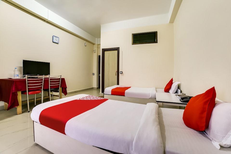 OYO 60296 Hotel Hranga Plaza
