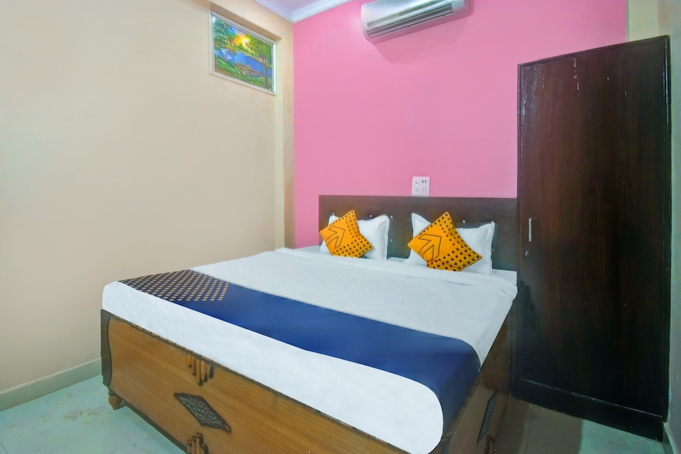 OYO 60301 Mangalam Guest House