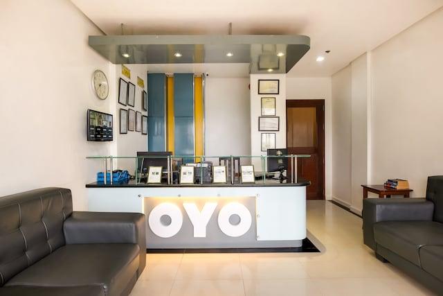 OYO 402 Royale Parc Hotel