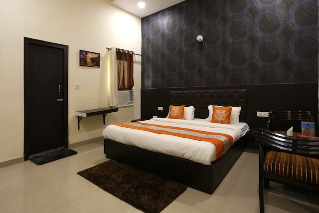 OYO Rooms 013 Near Alakhnath Temple Bareilly
