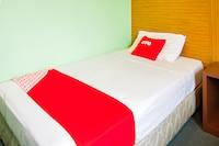 OYO 89408 Royal Hotel