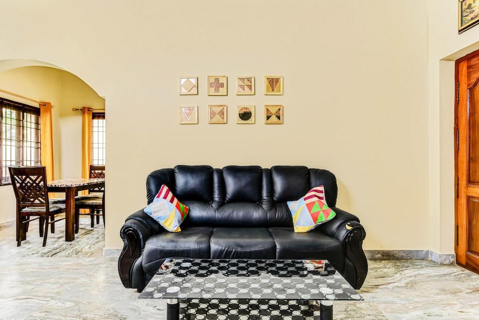 OYO Home 60331 Elegant Stay