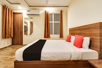 Capital O 60341 Hotel Avadh Guest House