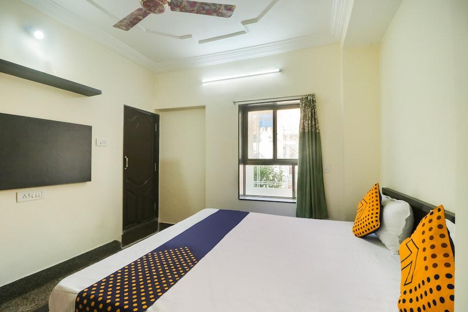 SPOT ON 60366 Hotel Hanu Kirpa