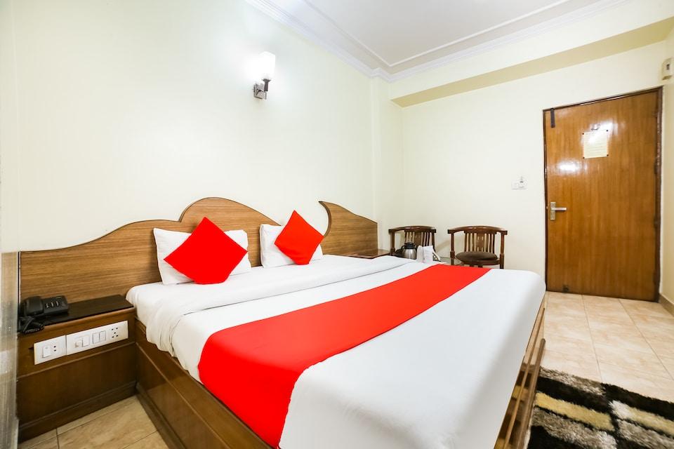 Capital O 329 Hotel C-Park Inn