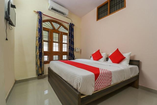OYO 60441 Tripathi Palace