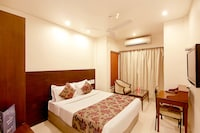 OYO 4942 Hotel Ashish International