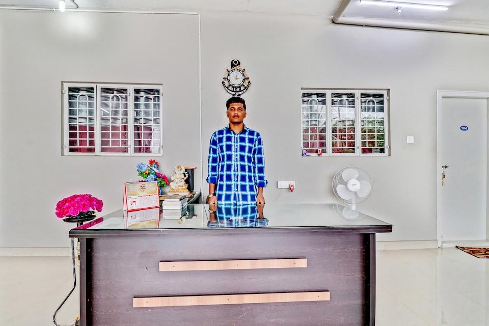 SPOT ON 60566 Khushi Residency