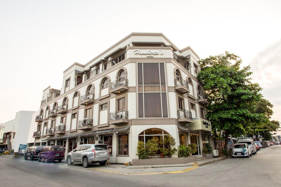 OYO 414 Humberto's Hotel