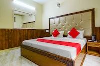 OYO 60644 Aarav Regency Deluxe