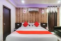 OYO 60647 Hotel Neelam Palace