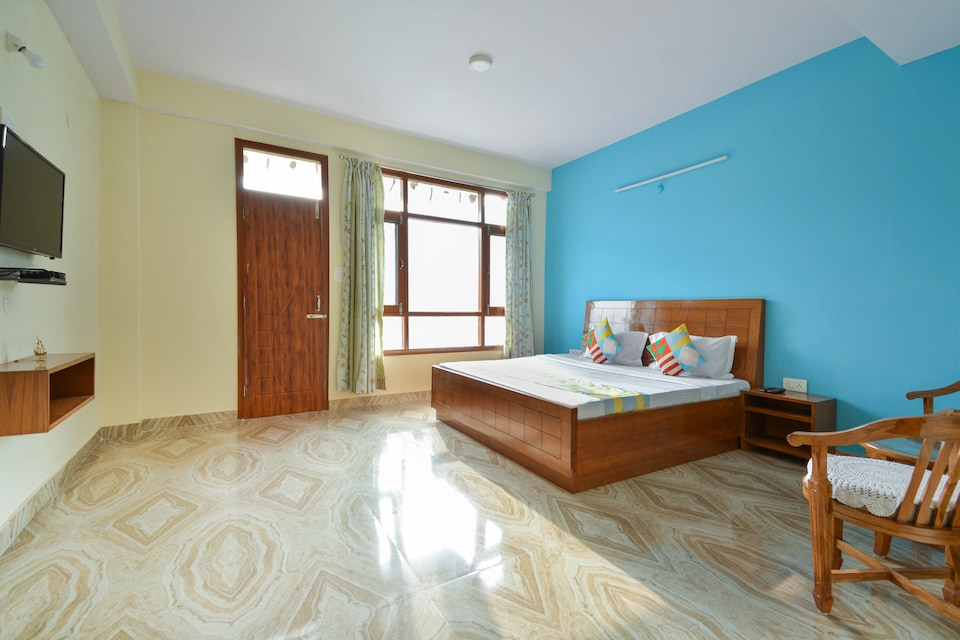OYO Home 60721 Exotic Hill View Stay Shoghi