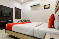 OYO 60737 Hotel Purple Residency