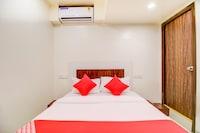OYO 60742 Hotel White Star