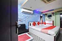 OYO 60767 Dolphin Hotel