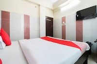 OYO 60768 Hotel Star Palace