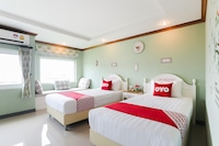 OYO 317 The Lilly Hotel