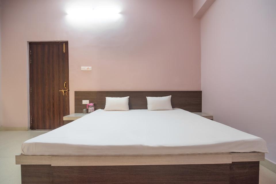 SPOT ON 60782 Hotel Shri Ram Palace