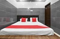OYO 60785 Hotel Baba Deluxe