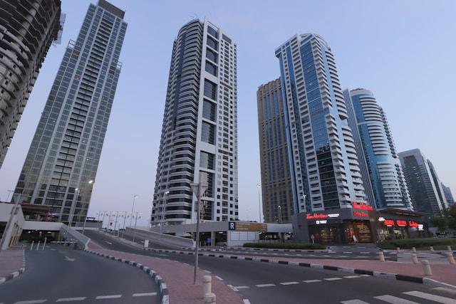 OYO Home 300 2BHK Al Waleed Paradise JLT