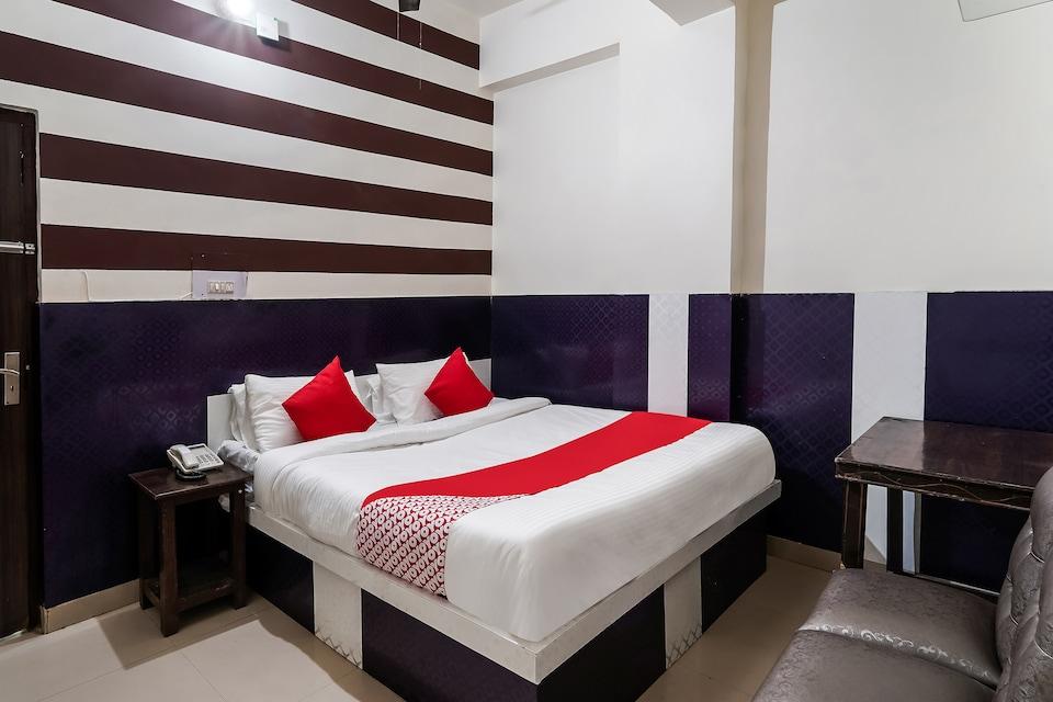 OYO 60800 Hotel Landlord, Rohtak, Rohtak
