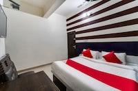 OYO 60800 Hotel Landlord