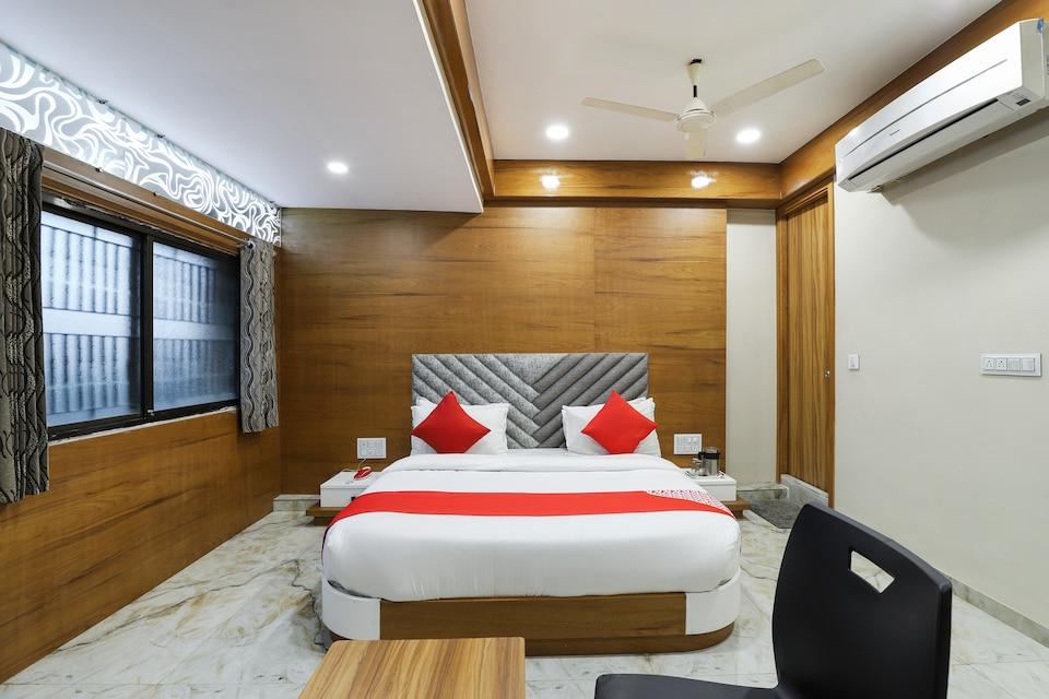 OYO 60848 Hotel New Shree Nath