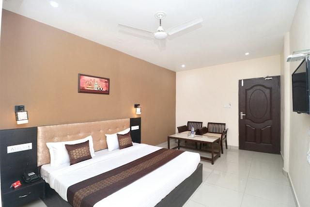 OYO 4963 Hotel Inderprasth Deluxe