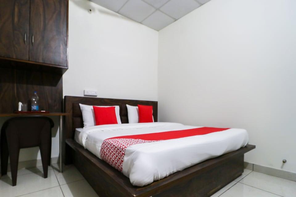 OYO 60858  Hotel RK Inn