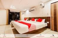 OYO 60873 Hotel Krishna Royal Residency