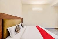 OYO 60892 Hotel Shree Sumukh Saver