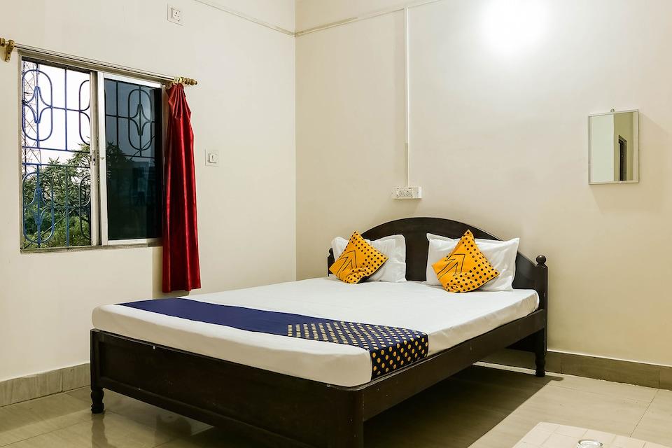 SPOT ON 60927 Hindustan Hotel & Lodging