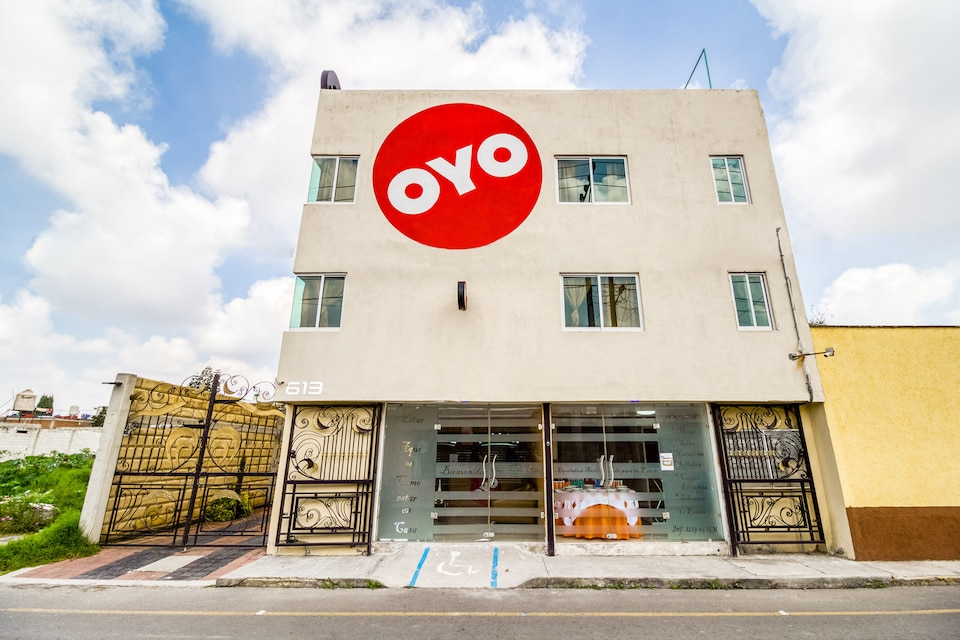 OYO Hotel Familiar Tollan