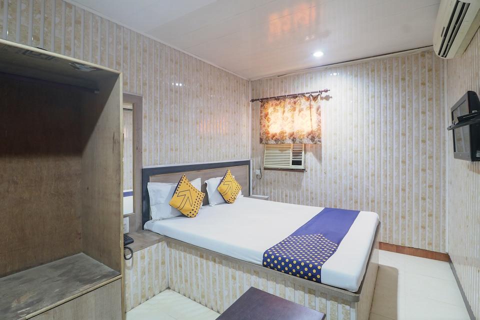 SPOT ON 60962 Hotel Chandra