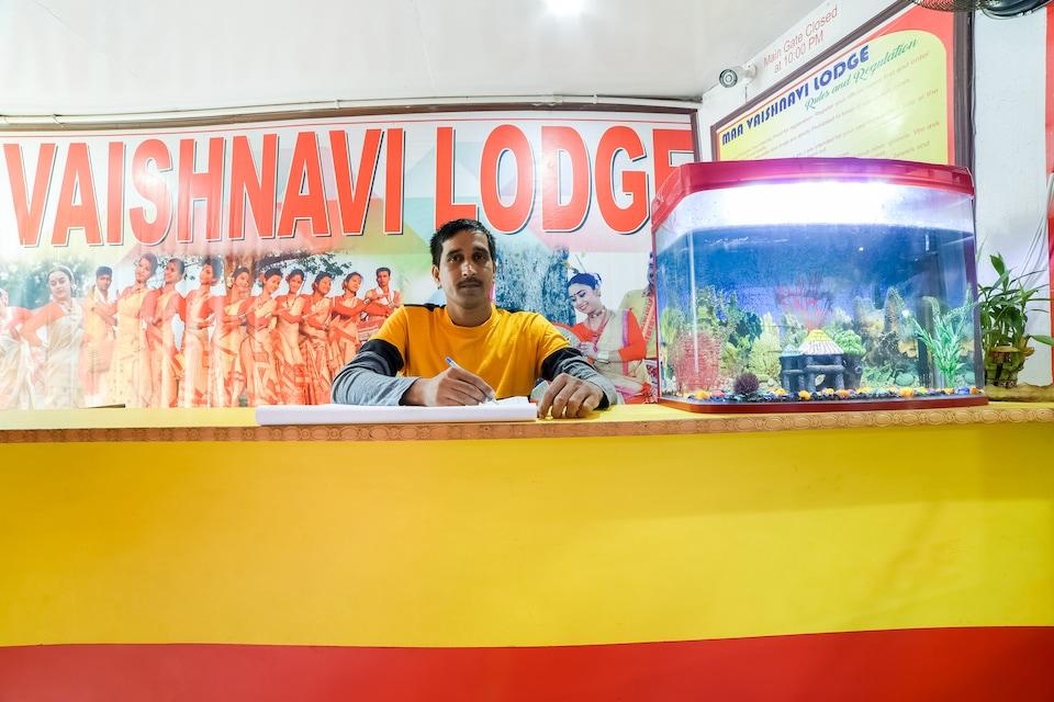 SPOT ON 60969 Maa Vaishnavi Lodge