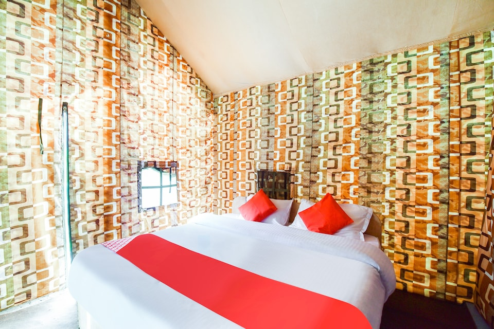 OYO 60995 Hotel Arudhara