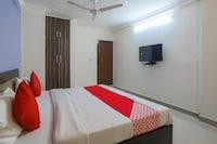 OYO 61001 Hotel AK Residency