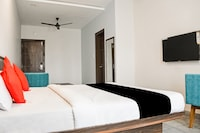Capital O 61048 Lazystay Grand Deluxe