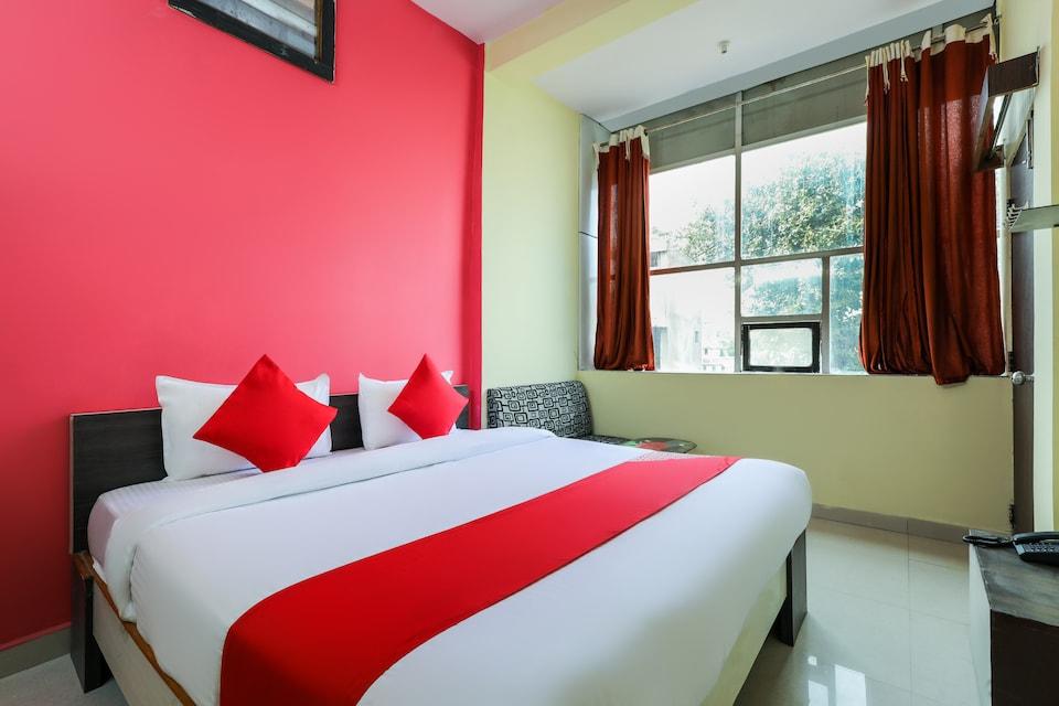 OYO 61069 Hotel Shree N Palace