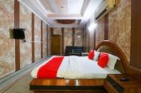 OYO 61070 Hotel Krishna Deluxe