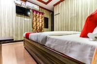 OYO 61148 CM Hotel  Deluxe