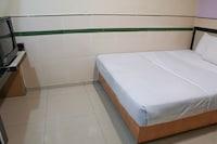 OYO 89437 Cosy Inn