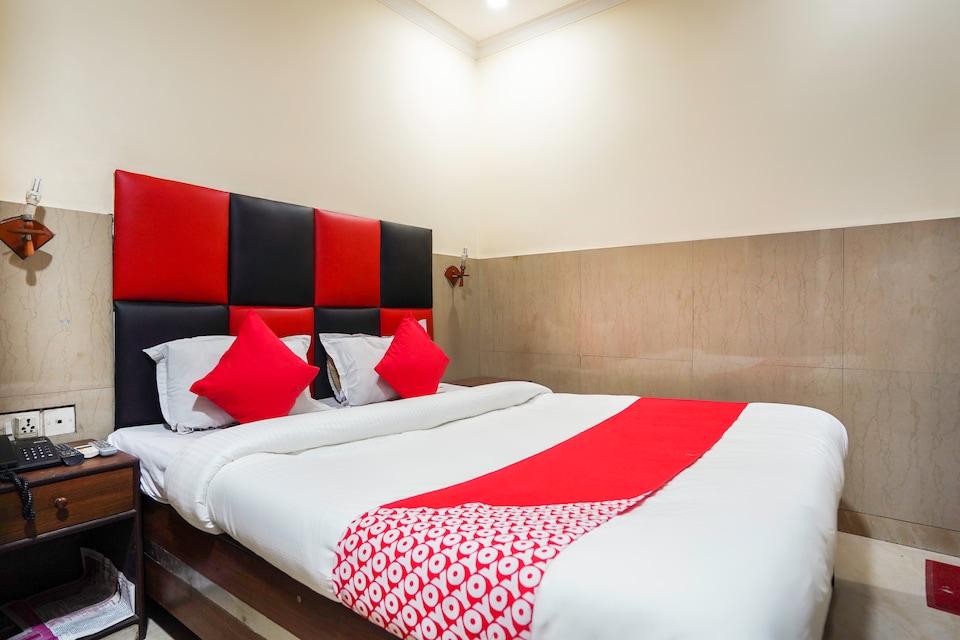 OYO 27580 Travel Inn