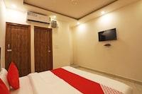 OYO 61226 Hotel Royal